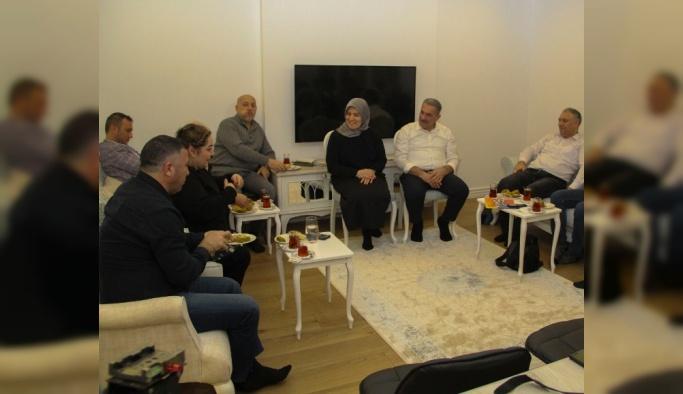 Öztabak, medya mensuplarını evinde ağırladı