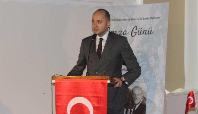 Dr. Furkan Kaya Yalova'da okurlarıyla buluştu