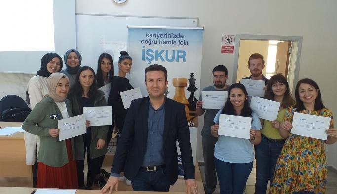 Yalova Üniversitesi öğrencileri 'İş Kulübü' eğitimine katıldı