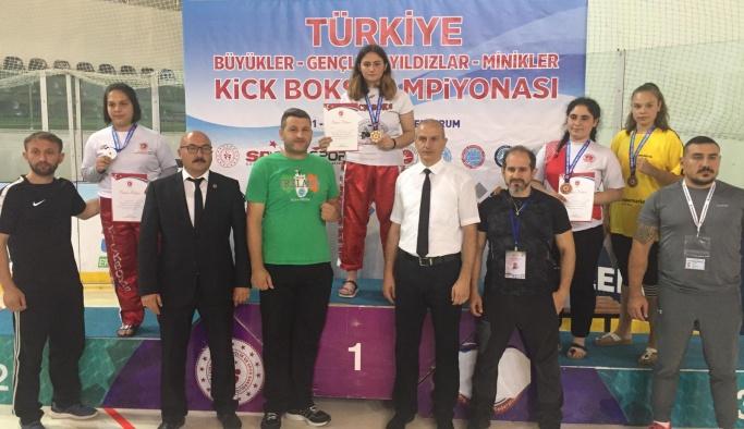 Çınarcık, Erzurum'dan şampiyonluklarla döndü!