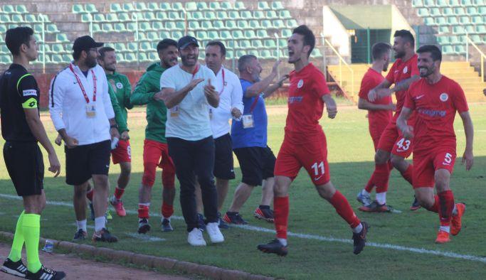 Yalovaspor 3 puanı 3 gol ile aldı