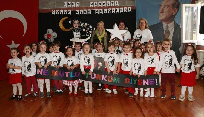 Minikler 29 Ekim'i kutladılar
