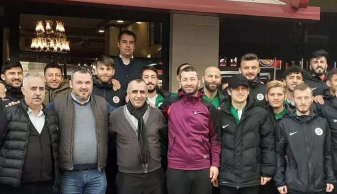 Köz Kebap'tan Yalovaspor'a moral yemeği