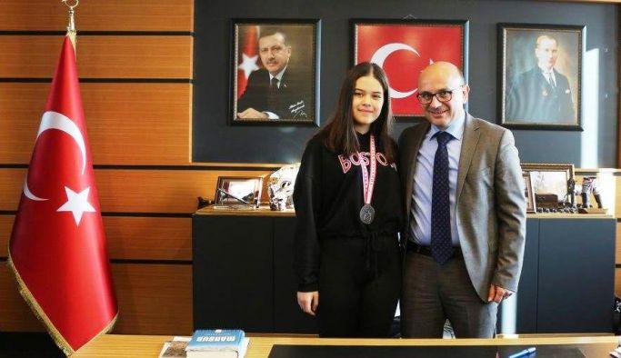Türkiye üçüncüsü Aleyna'dan Oral'a ziyaret