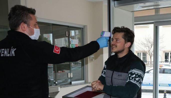 Çınarcık Belediyesi'nde ateş ölçer ve el dezenfektanlı önlem