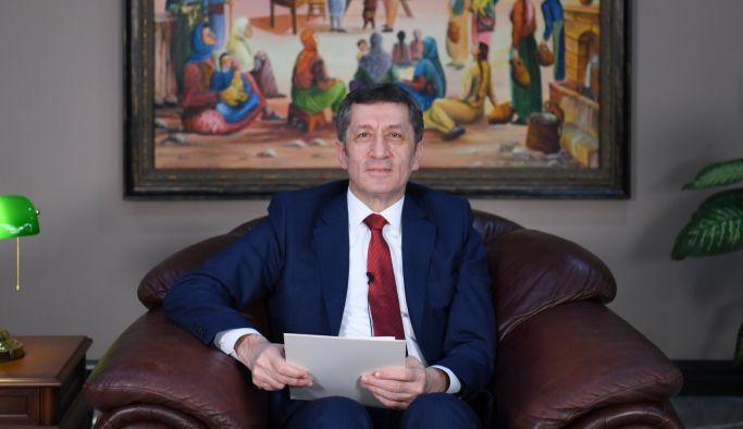 """EBA TV'de """"VELİ KUŞAĞI"""" Ziya öğretmen ile başladı"""