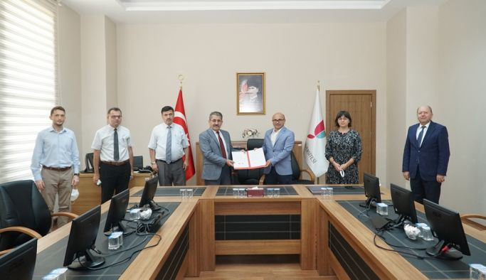 Yalova Üniversitesi ile Altınova Belediyesi Arasında Protokol imzalandı
