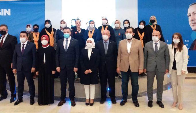 AK Parti Altınova Kadın Kollarında, Günaydın güven tazeledi