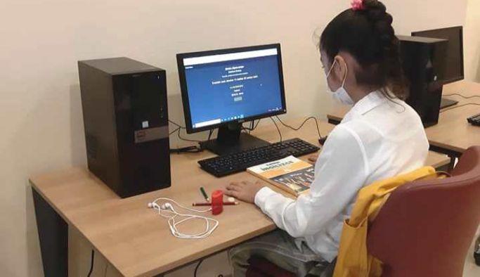 Altınova Halk Kütüphanesinde EBA hizmeti