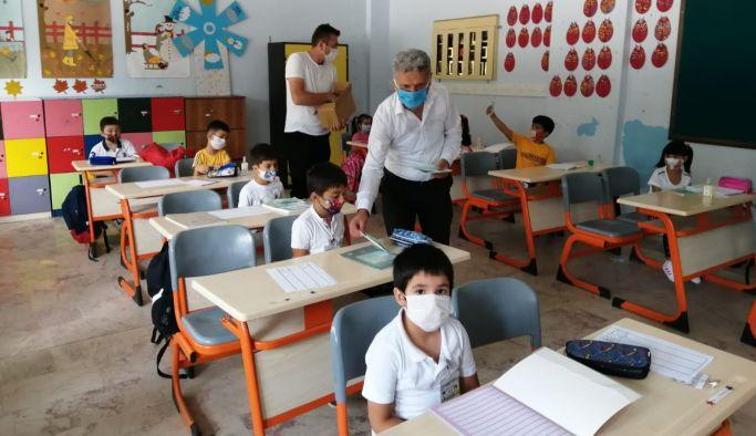 Başkan Kangal, okulları ziyaret etti