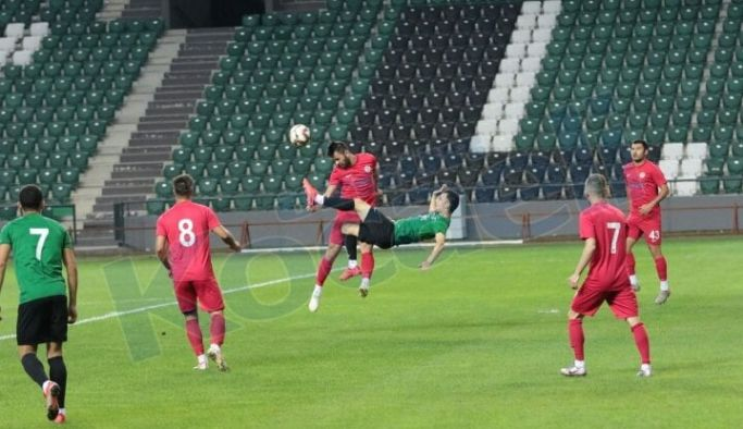 Yalovaspor hazırlık maçlarına devam ediyor