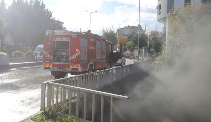 Köprü altı sakinleri yangın çıkardı