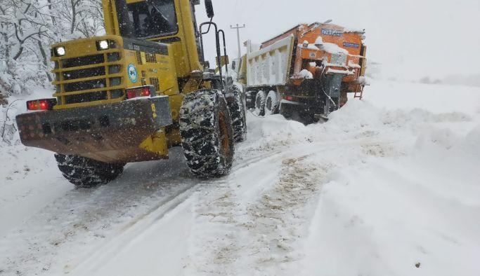 İl Özel İdaresi karla mücadeleye devam ediyor