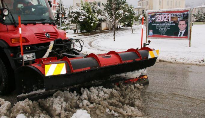 Yalova Paşakent Mahallesi'nde kar etkili oldu