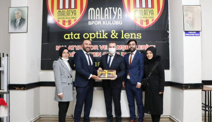 Başkan Vekili Mustafa Tutuk Malatyalılar Derneğini ziyaret etti