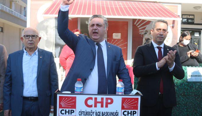 CHP'ye 300 üye