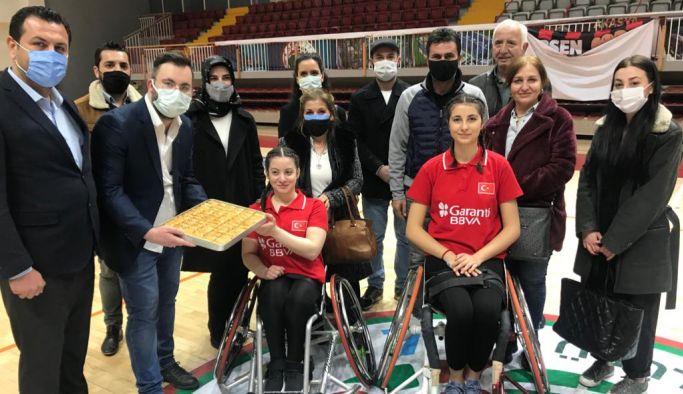 DEVA'nın, Tekerlekli Sandalye Kadın Milli Basketbol Takımı ziyareti