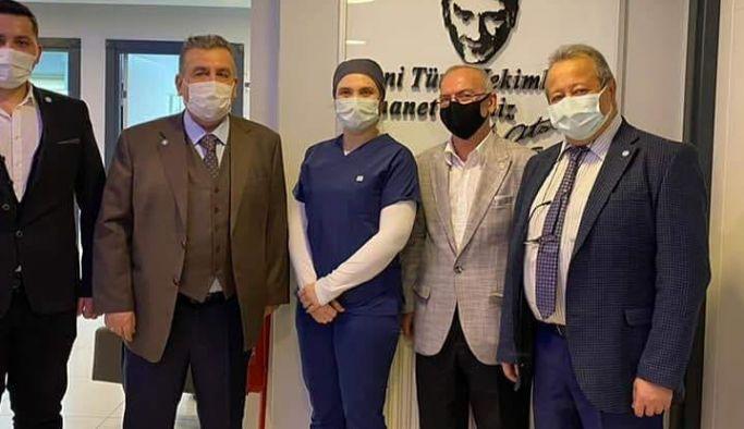 İyi Parti, Uzmanlar'da Tıp Bayramı'nı kutladı
