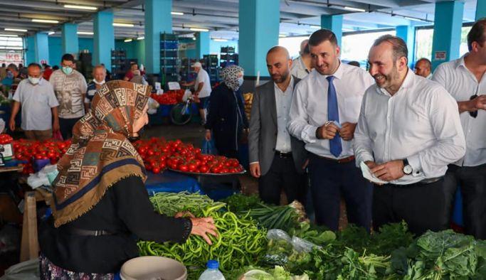 Başkan Vekili Tutuk Kapalı Pazaryerini ziyaret etti