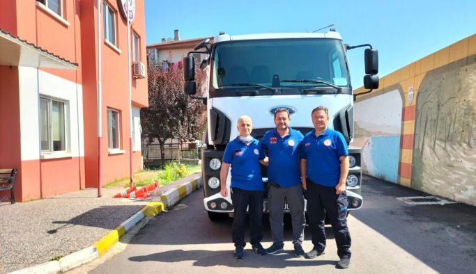 Yalova Belediyesi Manavgat'a yardım gönderdi