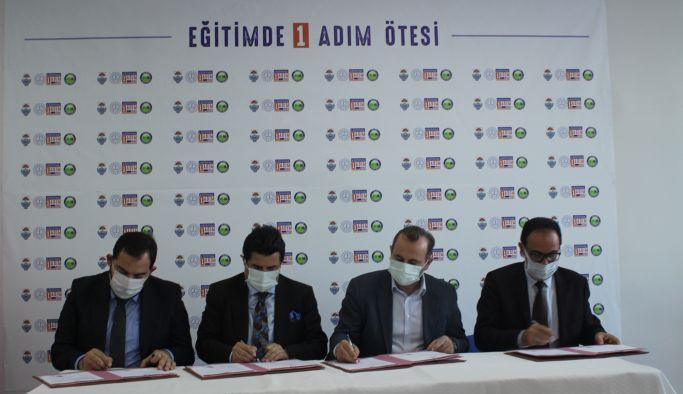"""""""Eğitimde 1 Adım Ötesi"""" imzaları atıldı"""