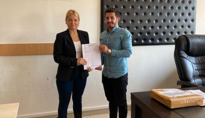İYİ Parti Altınova Başkanı Coşkuner, mazbatasını aldı