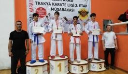 Çiflikköy Belediye Karate Takımı fırtına gibi esti