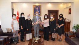 AK Kadınlar Gölcük'e davet edildi