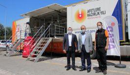 Erol ve Tutuk, Deprem Simülasyon Tırını ziyaret etti