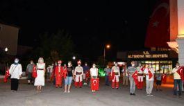 İstiklal Marşımız, semada yankılandı