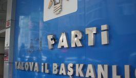AK Parti İl Binası girişine çekiçli saldırı