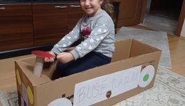 Çocuklar eğlenerek aktivitelerini sürdürüyor