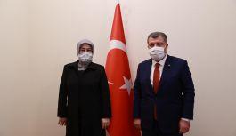 Meliha Akyol'dan, Bakan Fahrettin Koca'yı ziyaret