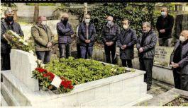 Nezih Demirkent mezarı başında anıldı