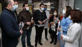 AK Parti Yönetimi, Tıp Bayramını hastanede kutladı