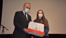 Altınova Anadolu Lisesi'nden iki ödül birden