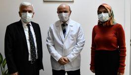 """Doktorlardan, Belediye Başkana """"duygulandıran"""" sürpriz"""