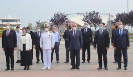 Çelenk Sunma Töreni Cumhurbaşkanı'nın mesajıyla noktalandı
