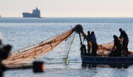 Müsilajdan etkilenen balıkçılara destek