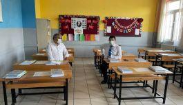 Yeniyol, okulların hazırlıklarını inceledi