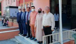 AK Parti Yönetimi, okulları ziyaret etti