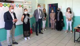 Başkan Acar, okulları ziyaret etti
