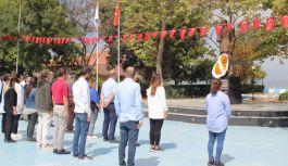 CHP Koru, 98. yıl için Atatürk Anıtı'na çelenk bıraktı