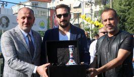 Çınarcık'taki açılış, Haluk Levent ile gerçekleştirildi