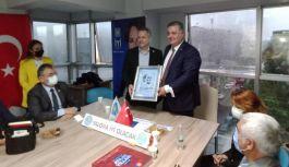 Başkan Gürel, Başkan Akyüz'e tebrik ziyaretinde bulundu