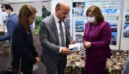 Fatma Şahin'e Doğa Pasaportu hediye edildi
