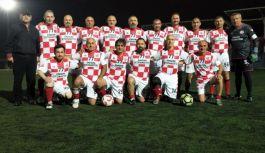 Yalova TÜRFAD Veteran Futbol Takımı lige galibiyetle başladı