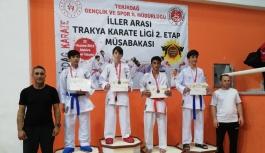 Çiflikköy Belediye Karate Takımı fırtına...