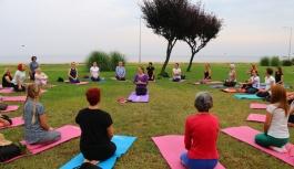 Yalovalı kadınlar Dünya Yoga Günü'nde...