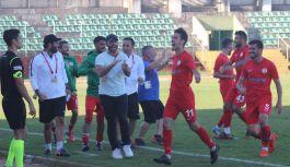 Yalovaspor 4'te 3 yaptı!